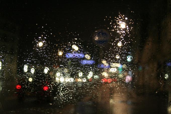 La pluie sur un pare-brise