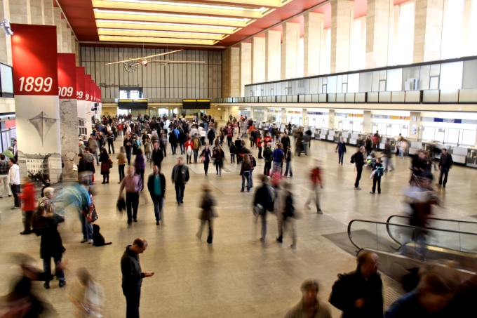 Le hall à nouveau foulé par le public